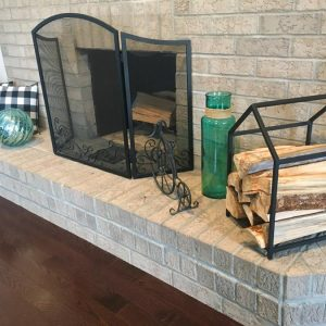 """Firewood stand """"House"""" on website"""
